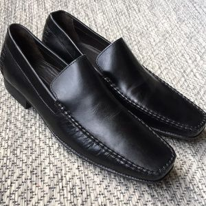 Bostonian black loafers